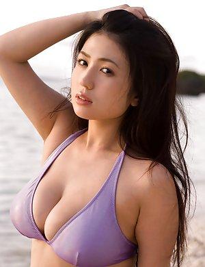 Asian Girls Pics